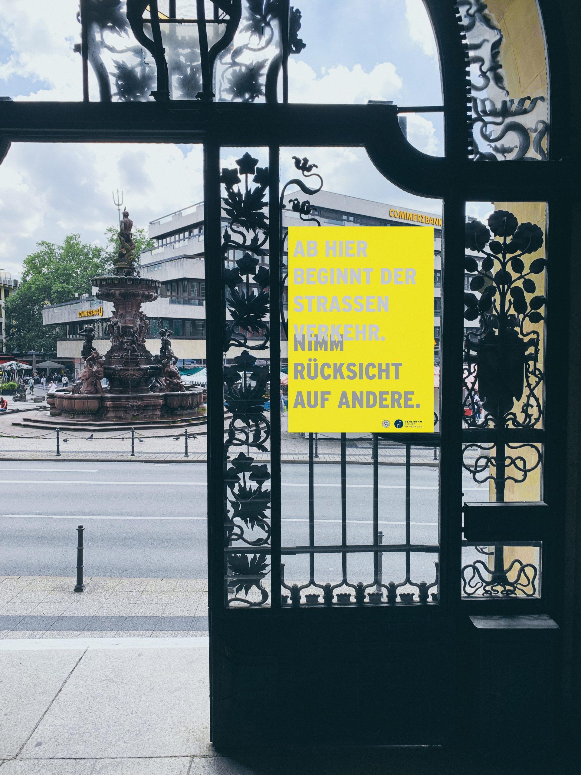 Foto der Plakatkampagne Verkehrssicherheit